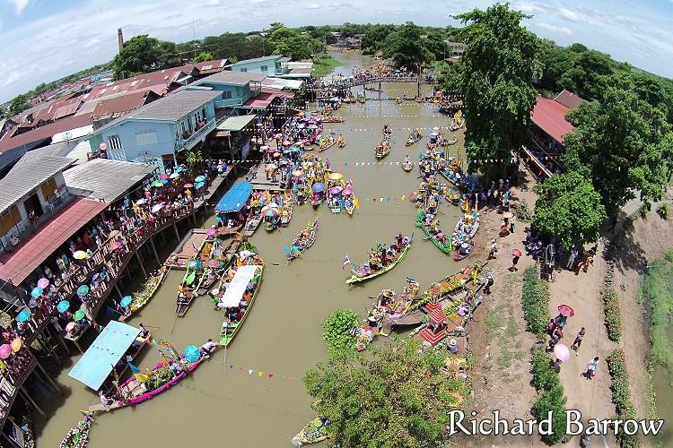 Lad Chado Riverside Market